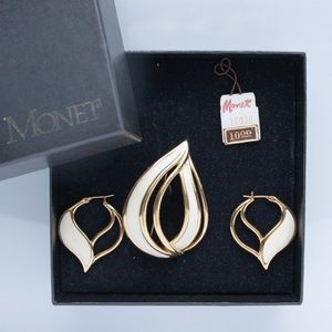 Vintage Monet Earring and Brooch Set